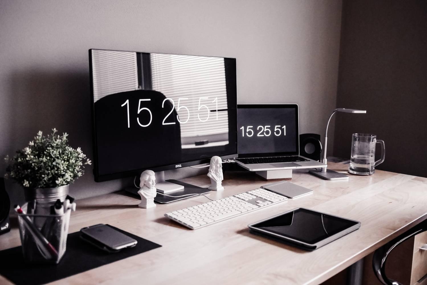 Add a motivational clock